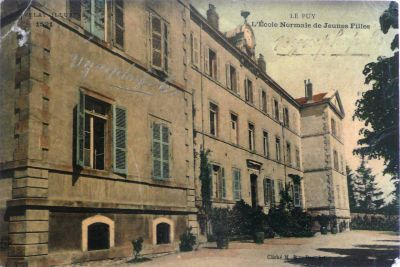 Photo de l'Ecole Normale d'institutrices du PUY-EN-VELAY au début du XXe siècle